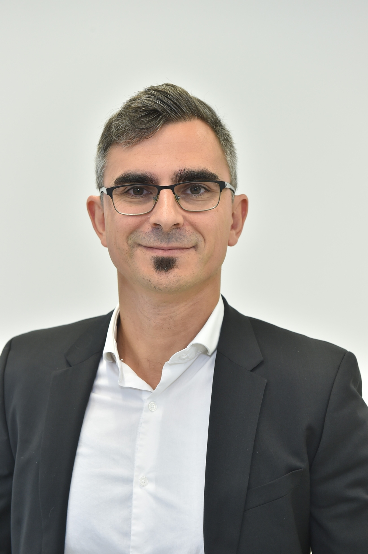 Professor Ricardo Mata
