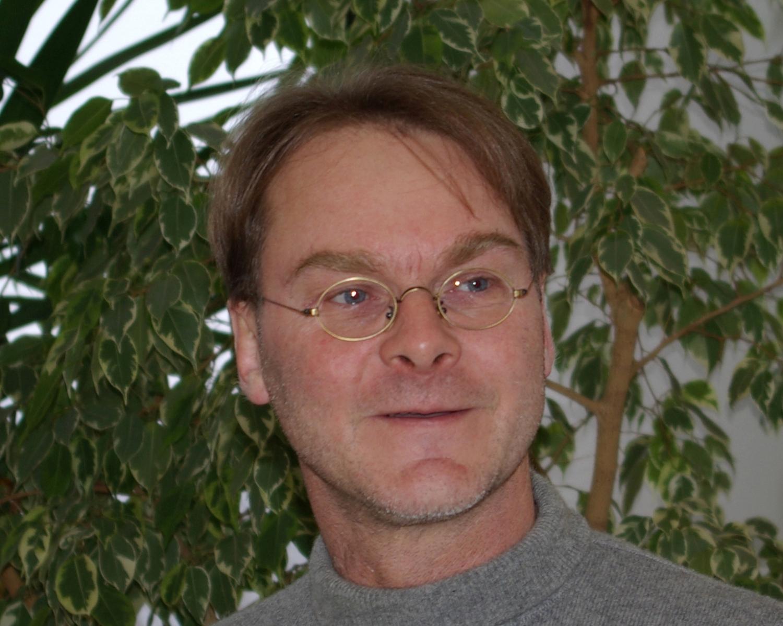 Dr. Peter Schall