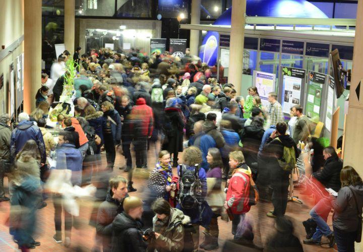 Mehr als 25.000 Interessierte haben die Veranstaltungen der 4. Göttinger Nacht des Wissens besucht.