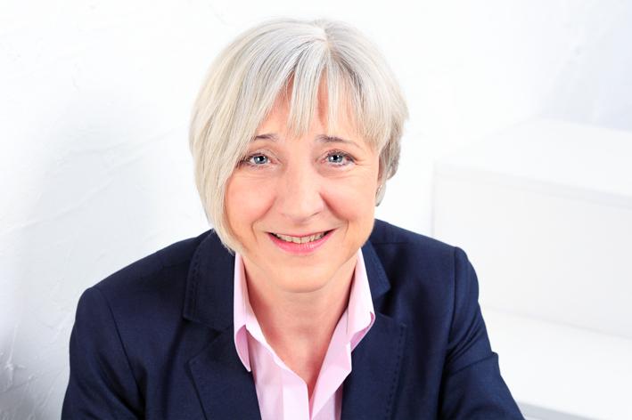 Dr. Ute Marie Metje