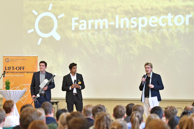 """Das Team """"Farm-Inspector"""" belegte beim Gründungswettbewerb Lift-Off der Universität Göttingen 2018 den ersten Platz. Nun erhält das Team ein Exist-Gründerstipendium mit einer Fördersumme von 117.000 Euro."""