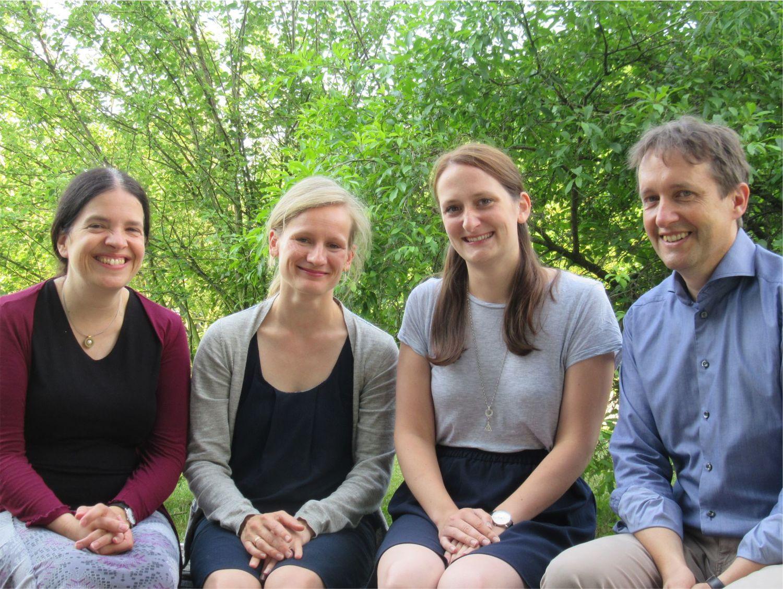 Prof. Dr. Christine Stadelmann-Nessler, Dr. Franziska van der Meer, Mareike Töpperwien, Prof. Dr. Tim Salditt (left to right))