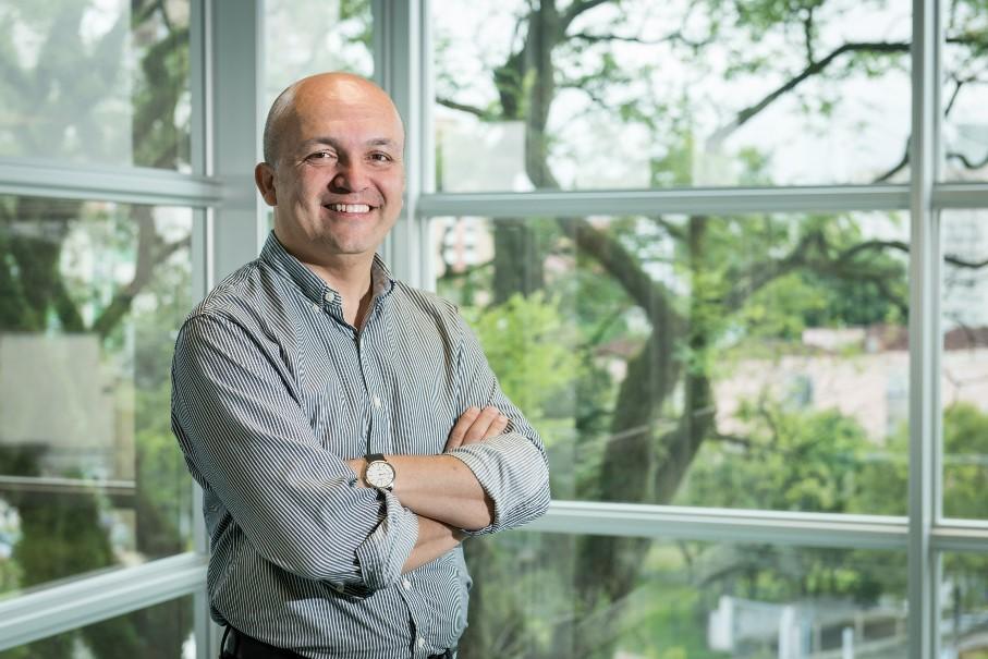 Prof. Dr. Hermílio Santos