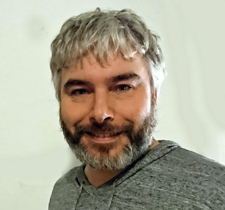 Dr Sven Bradler