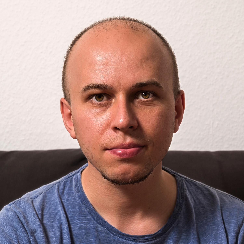 Dr Radoslaw Katana
