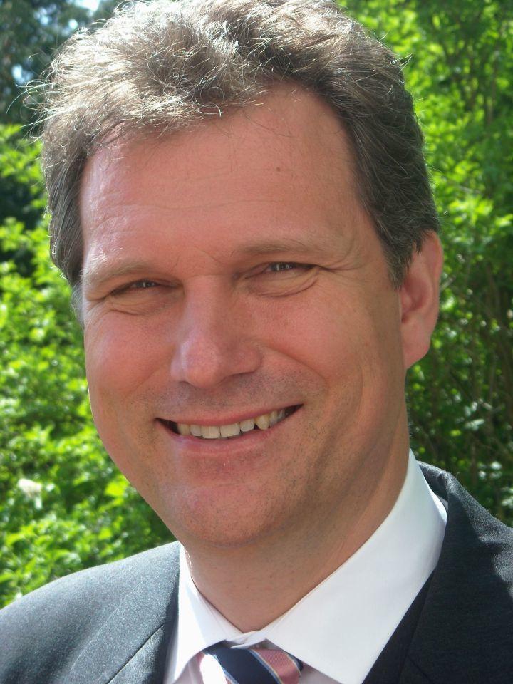 Prof. Dr. Ralf Ficner