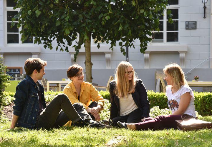 Vom 1. bis 30. September 2018 können sich Studierende der Universität Göttingen erneut für ein Deutschlandstipendium bewerben.
