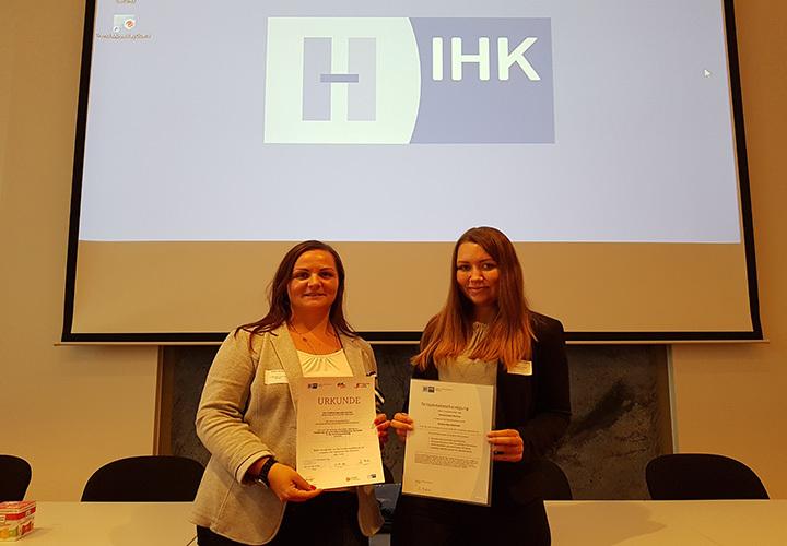 Sabine Kaufung, Vanessa Schimke (von links)