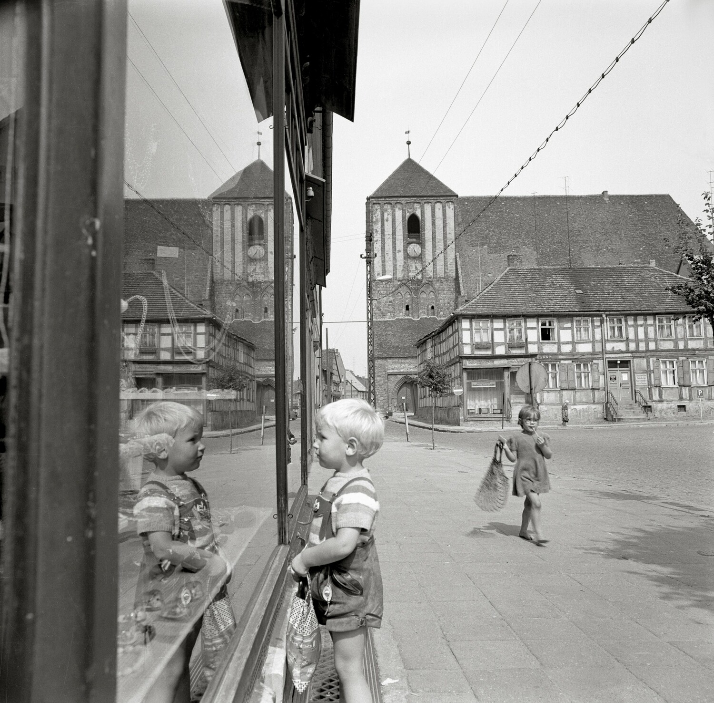 Am Markt, Wusterhausen/Dosse, 1970.
