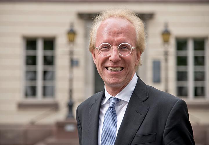 Prof. (HSG) Dr. Sascha Spoun