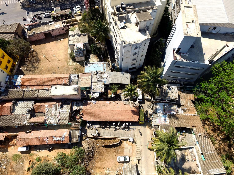 Luftaufnahme einer Viehwirtschaft in Bangalore.