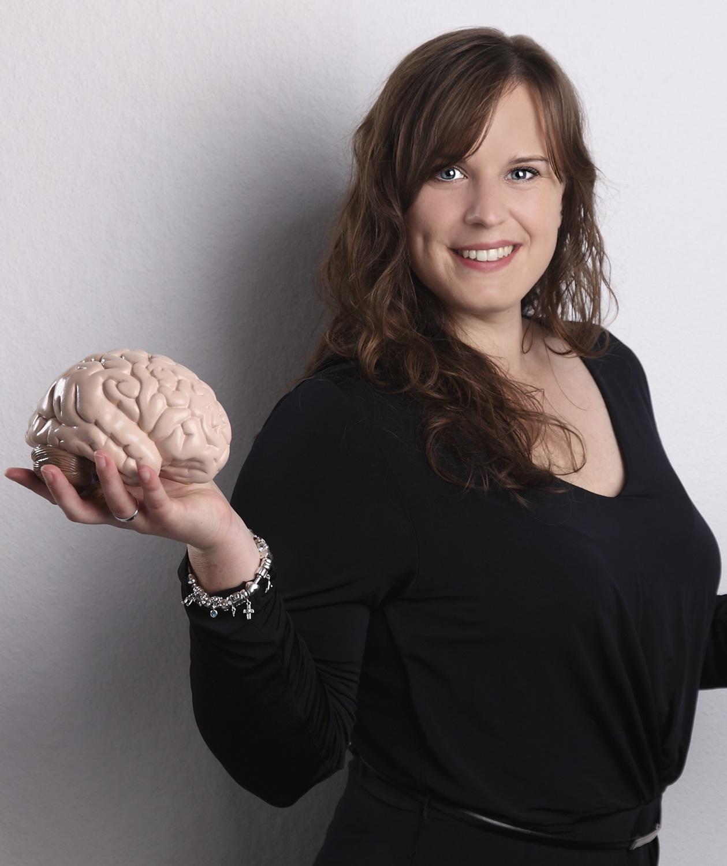 Dr Louisa Kulke