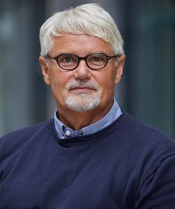 Professor Hans-Ulrich Demuth