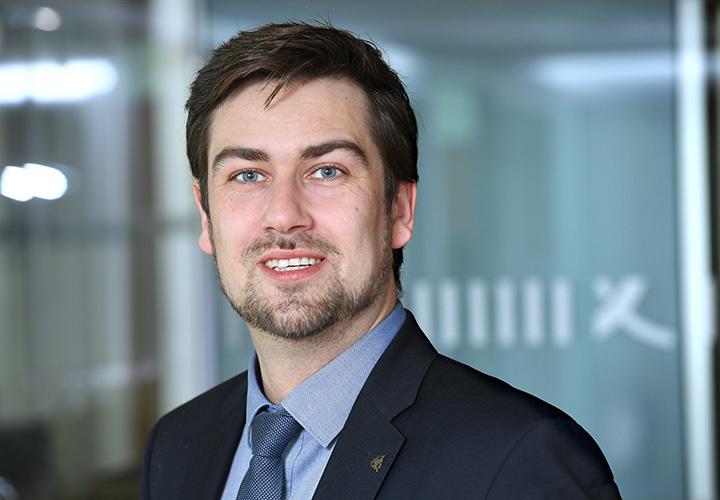 Dr. Simon Gerdemann