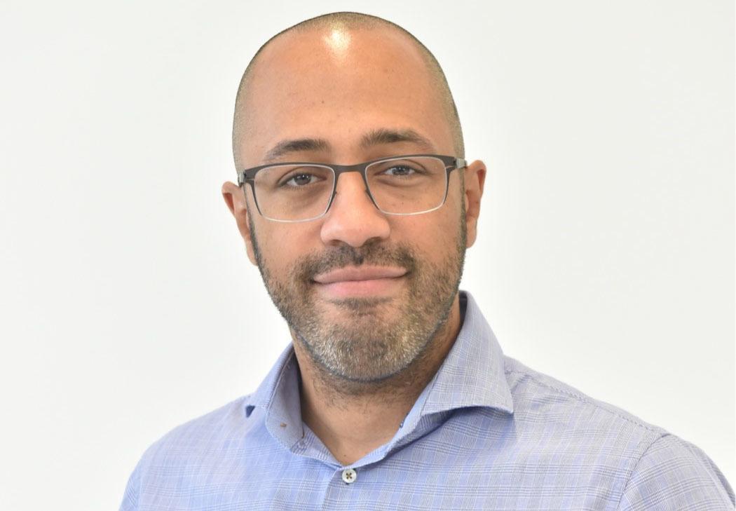 Dr. Alexander Breder