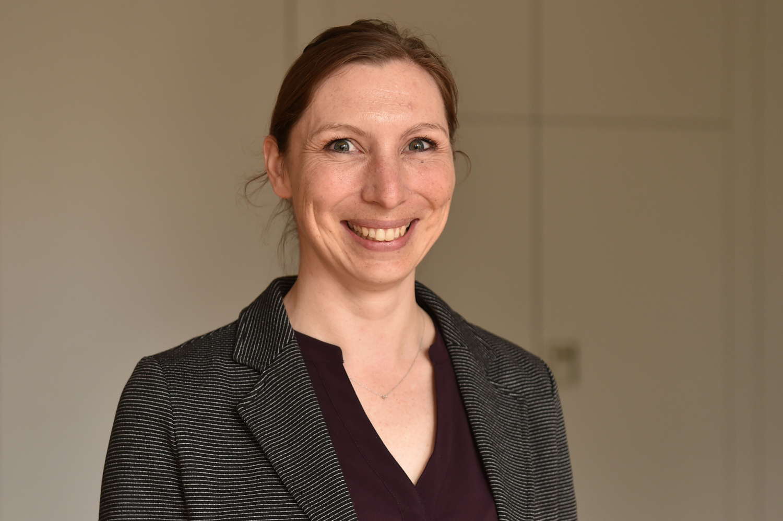 Professor Carola Paul