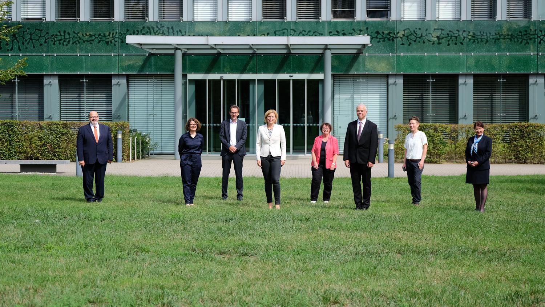 Bundesministerin Julia Klöckner mit Mitgliedern des Wissenschaftlichen Beirats für Agrarpolitik, Ernährung und gesundheitlichen Verbraucherschutz (WBAE) in Bonn.