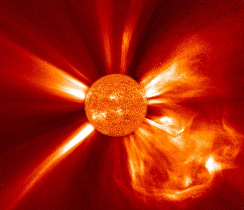 Koronaler Massenauswurf auf der Sonne, beobachtet mit der Raumsonde STEREO-A.
