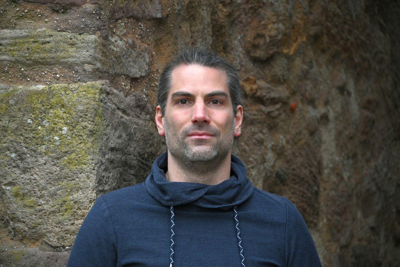 Dr. Valentin Gold
