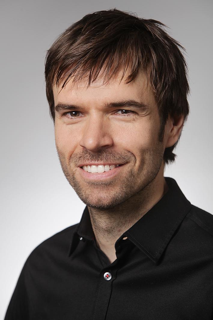 Dr. Marcel Reinold