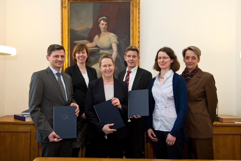 Von links: Dr. Axel Wegener, Christina Qaim (Universität Göttingen), Prof. Dr. Ulrike Beisiegel, Stephan Ferneding, Lea Feodora Lenz (Universität Göttingen) und Claudia Trepte (Measurement Valley).
